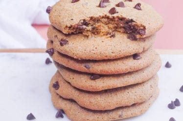 how to bake with cashew flour